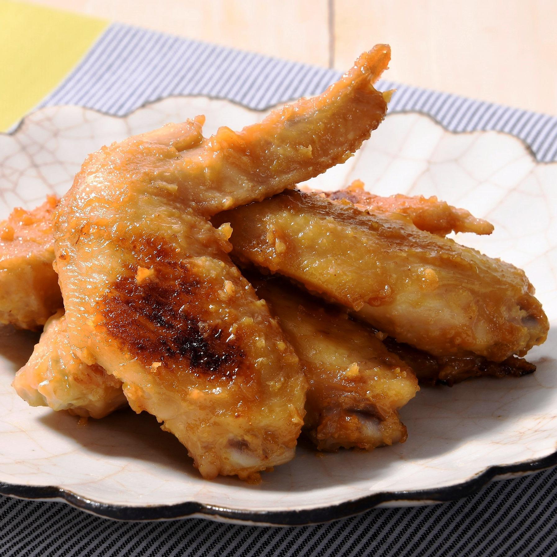 鶏手羽先の味噌だれ旨煮
