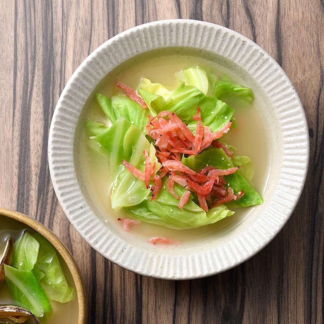 キャベツと桜えびの味噌汁