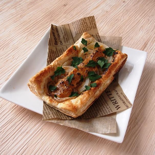 新玉ねぎのクリームチーズパイ