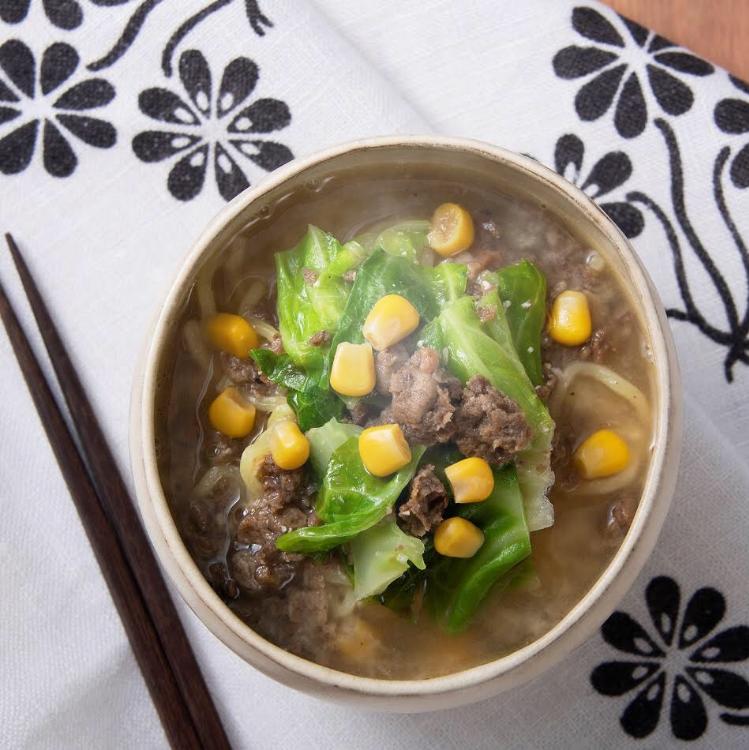 野菜のそぼろ(ベジミート)と<br>春キャベツの味噌ラーメン