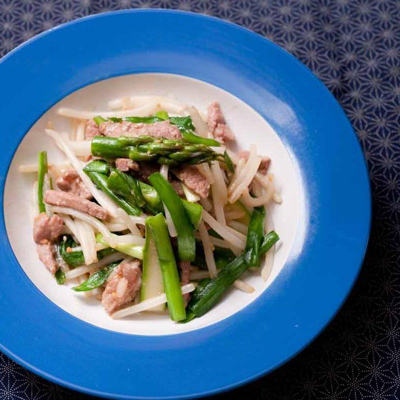豚もも肉とニラ・もやしの味噌炒め