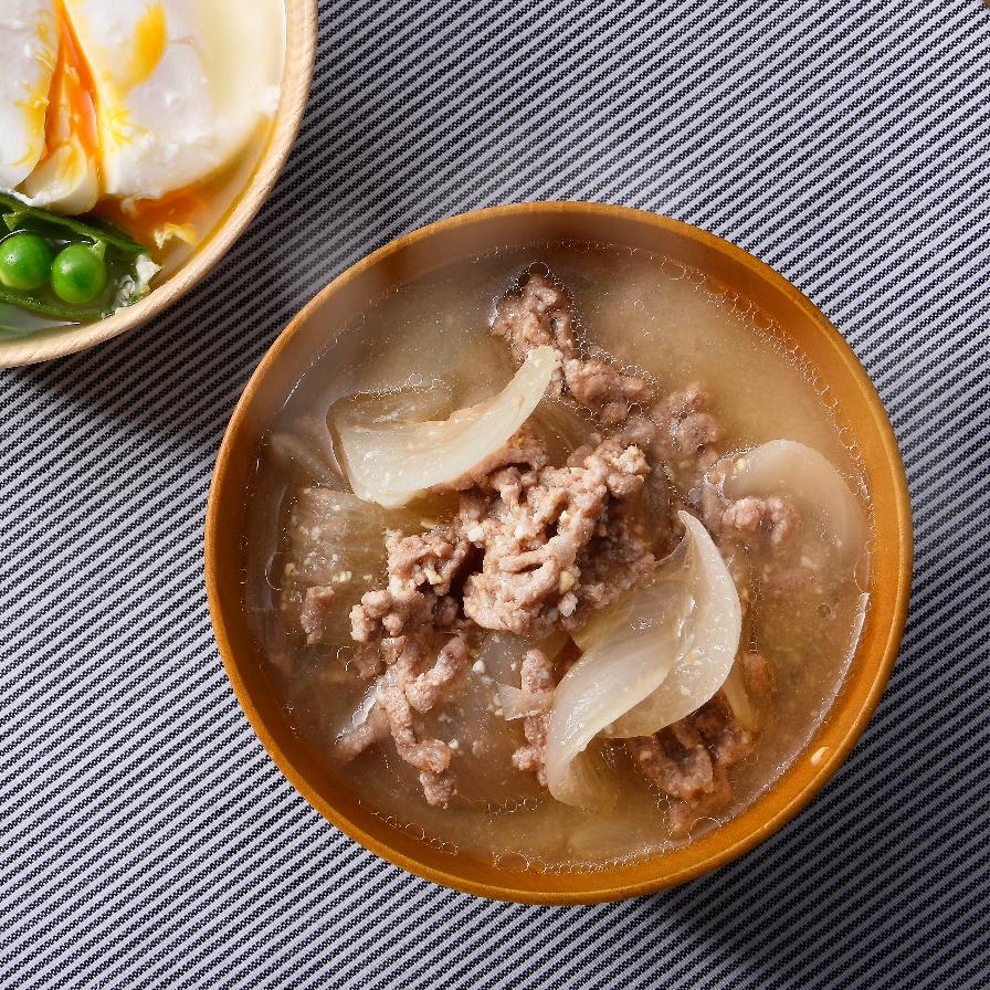 新玉ねぎと豚ひき肉の味噌汁