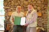 長野県の森の再生事業に取り組むアファンの森財団より、<br>10年間のサポートへの感謝状を贈呈されました