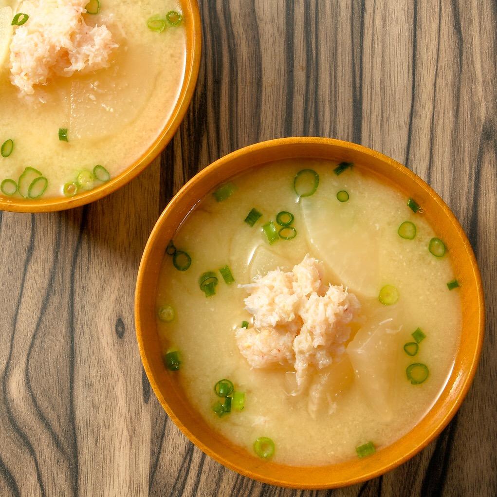 カニと大根の味噌汁
