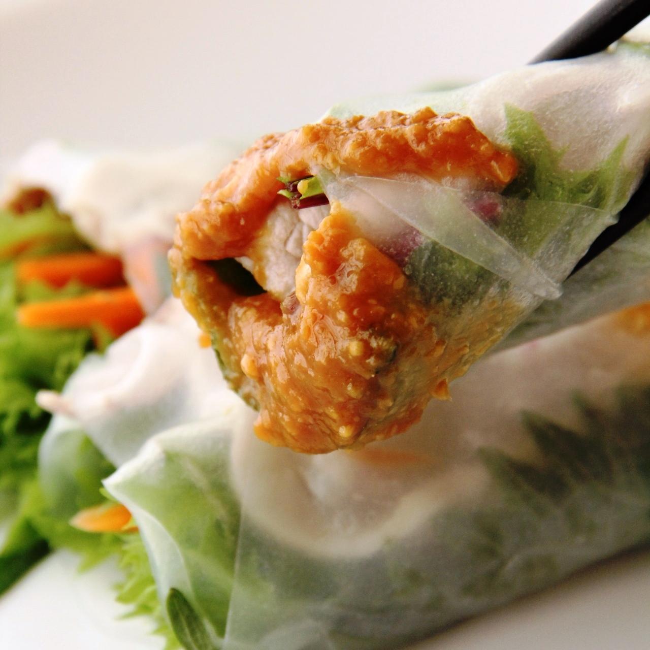 野菜たっぷり生春巻き with 味噌ソース