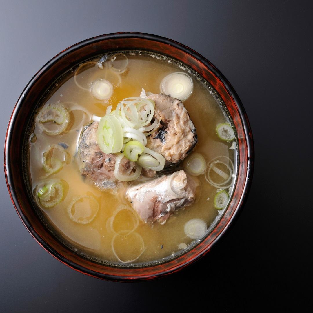 長ねぎとサバ缶の味噌汁