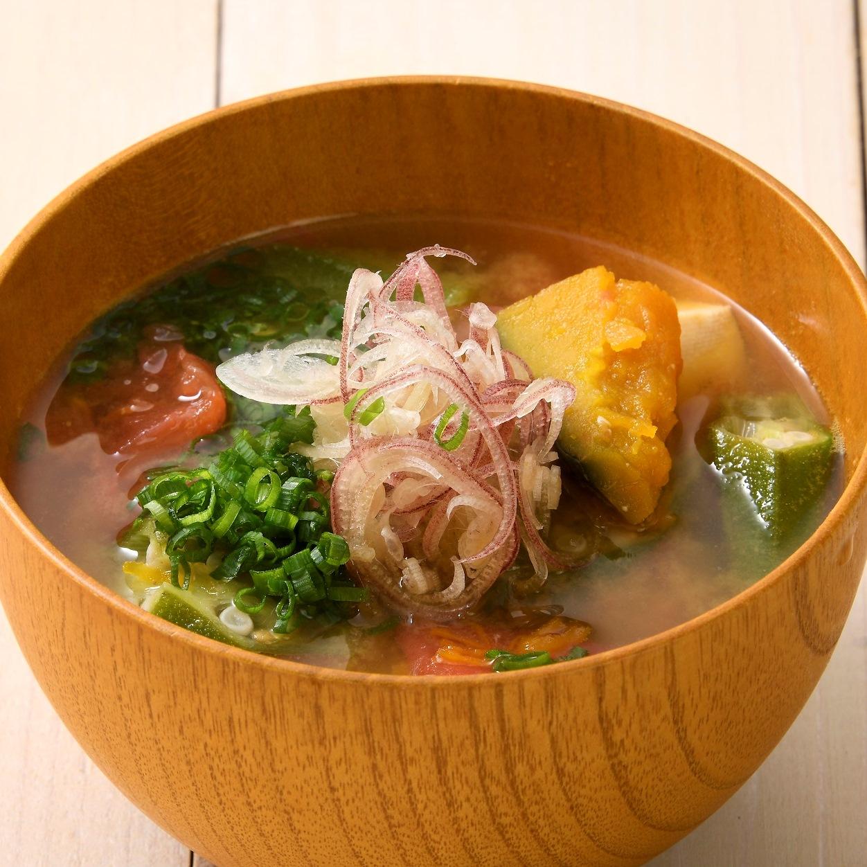 夏野菜の味噌󠄀汁
