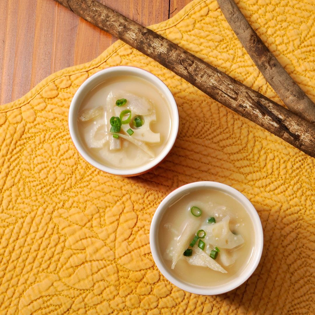 根菜と生姜の味噌クリームスープ