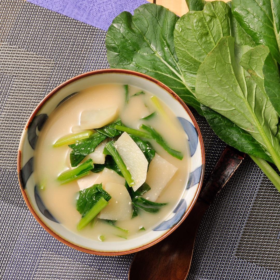 じゃがいもと小松菜の味噌汁