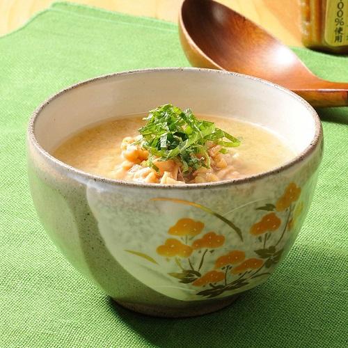 納豆と大葉のお味噌汁