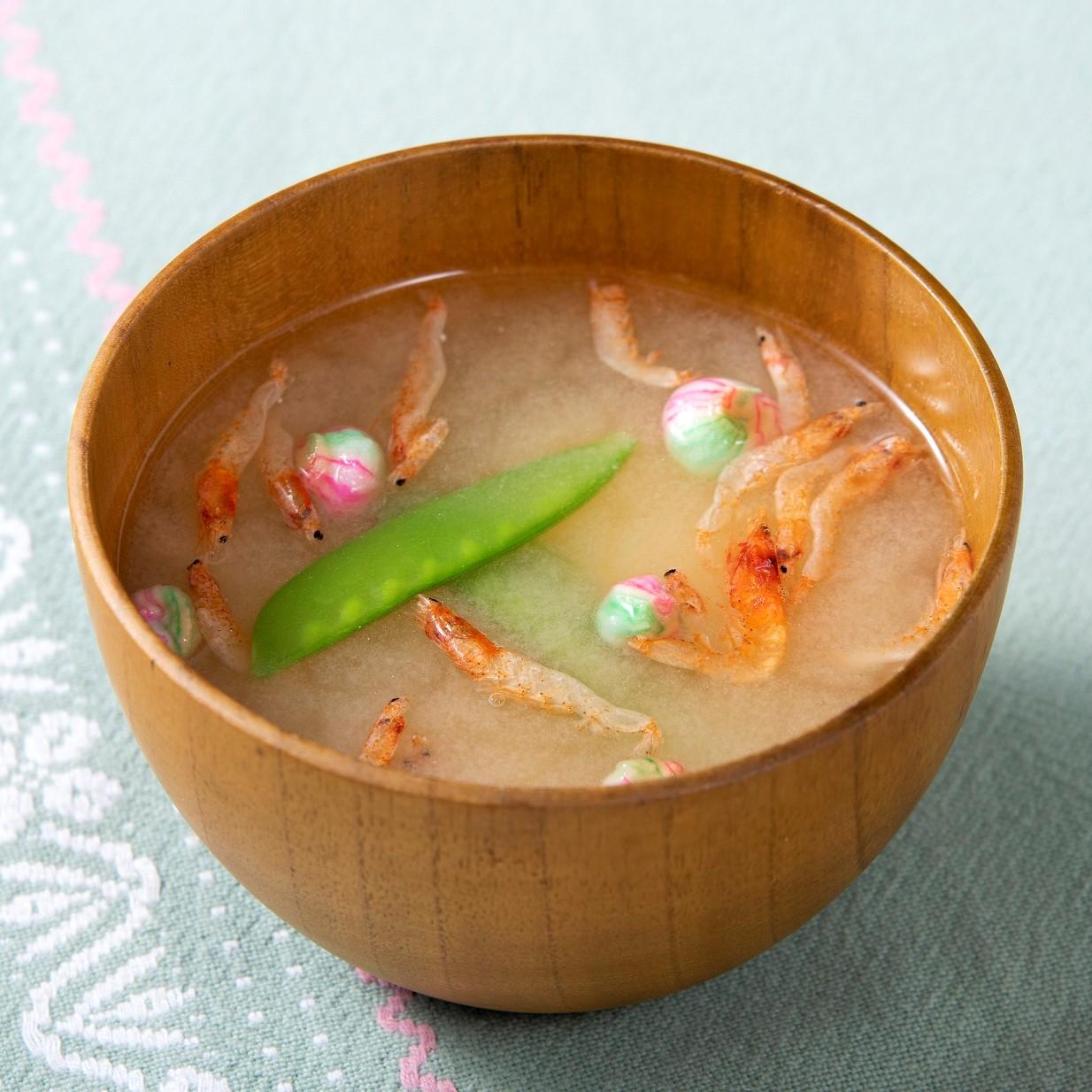 絹さやと桜えびの味噌汁