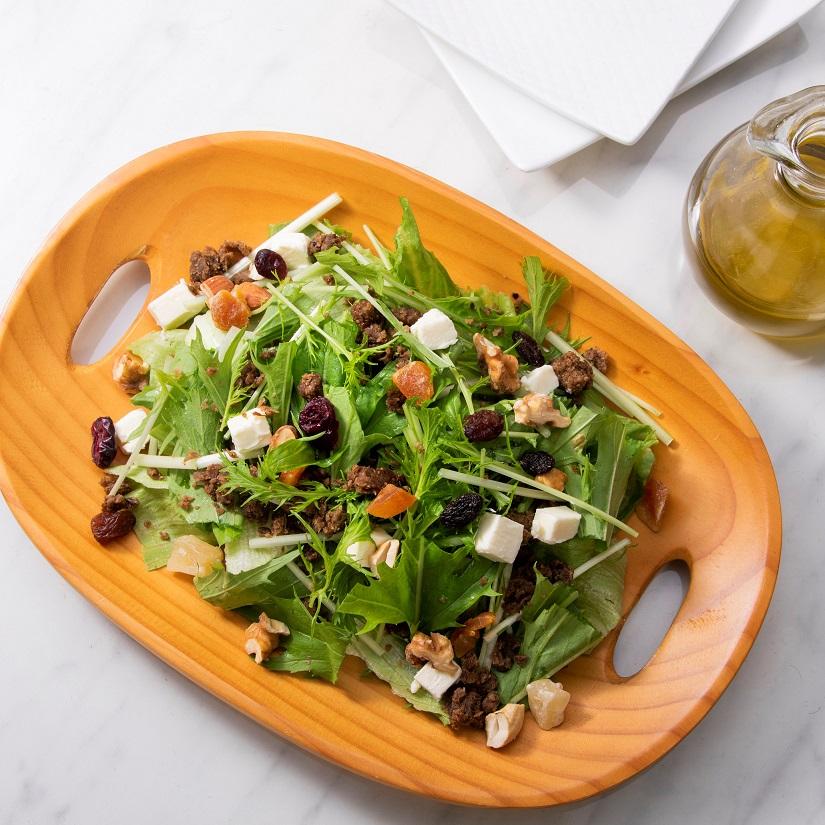 野菜のそぼろ(ベジミート)と<br>水菜のパワーサラダ