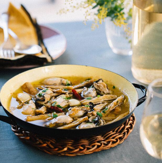 牡蠣の味噌アヒージョ