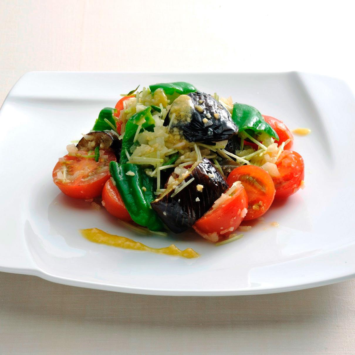 トマトとなす・ピーマンのサラダ