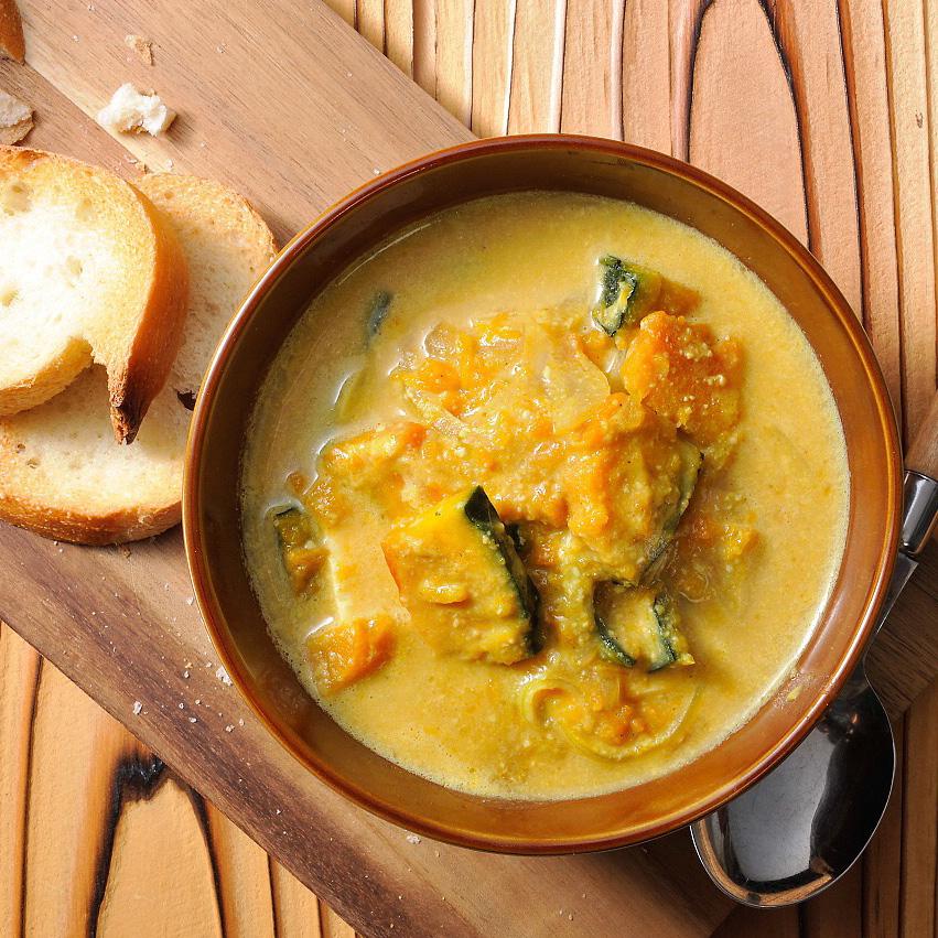 かぼちゃと玉ねぎの豆乳カレー味噌スープ
