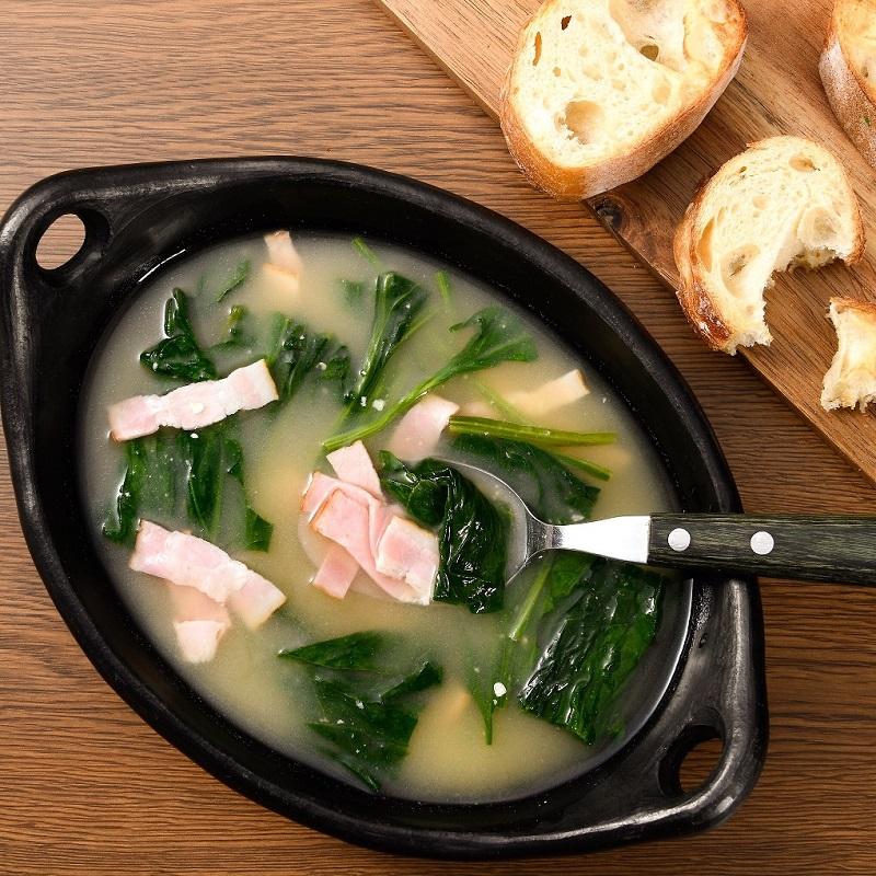 ほうれん草とベーコンの味噌スープ