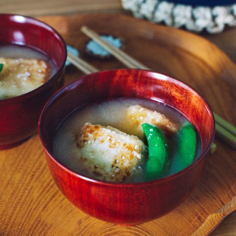 スナップえんどうと<br>手作り揚げ出し豆腐の味噌汁