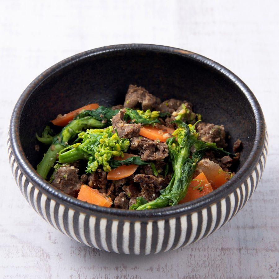 野菜のそぼろ(ベジミート)と<br>菜の花の味噌炒め