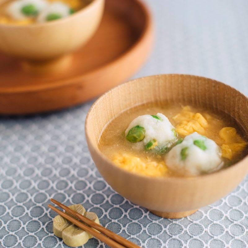 枝豆はんぺん団子の味噌汁